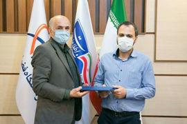انتخاب مدیر پروژه پارس 1 به عنوان کارمند نمونه در جشنواره شهید رجایی